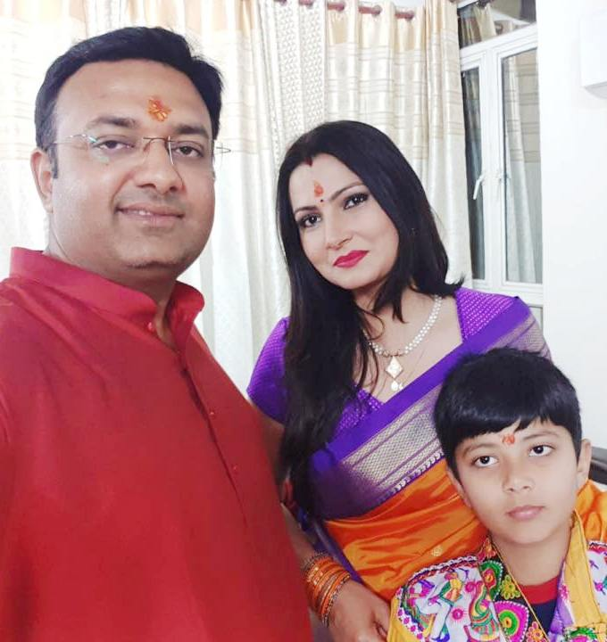 My Bharat News - Article Chitra Tripathi with her husband and son