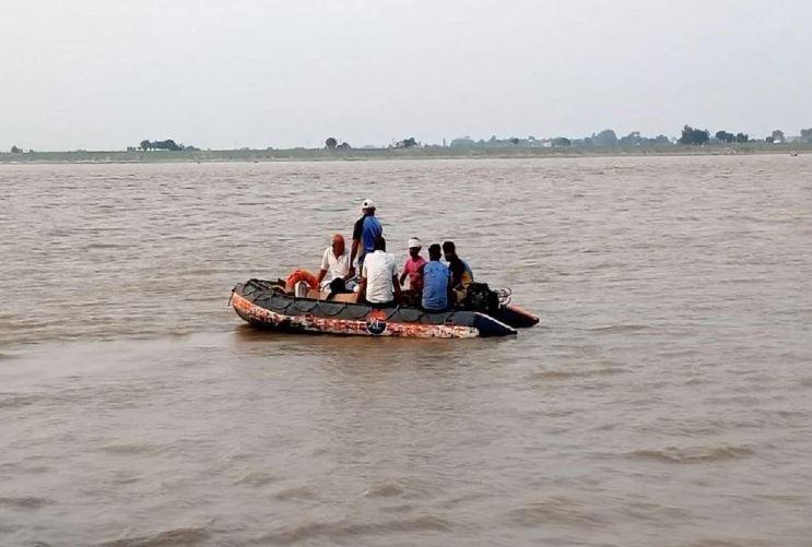 Maharashtra: अमरावती में नाव पलटने से तीन की मौत, 8 अभी भी लापता