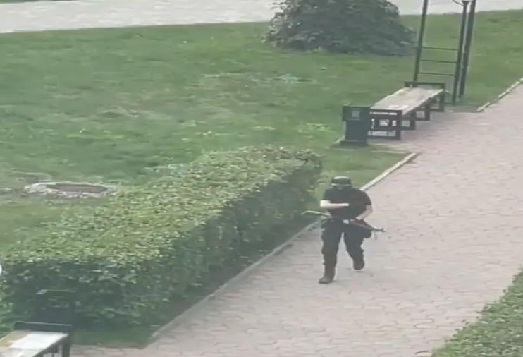 रूस की पर्म स्टेट यूनिवर्सिटी में गोलीबारी, 8 की मौत, जाने पूरा मामला..