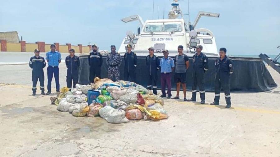 तमिलनाडु के मंडपन में एक नाव से 8 करोड़ का समुद्र जीव जब्त, श्रीलंका ले जाने की आशंका